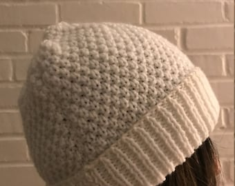 White hand knit cap