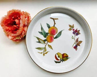 """Royal Worcester EVESHAM Round 10 1/2""""  Baker Gold Porcelain 1961  Quiche, Pie, Tart Baking Dish Apples, Berries Peaches Oven to Table Ware"""