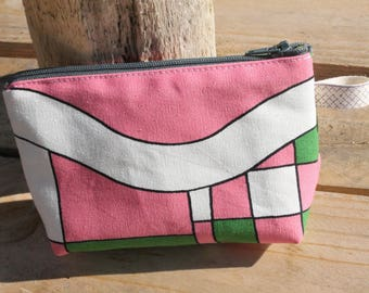 Lined purse / checkerboard and curve