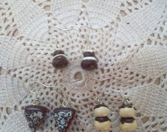 3 pairs of earrings pin