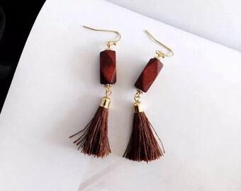 Namu Tassle Earrings : brown tassle with wood dangle earrings