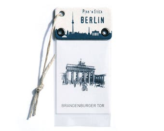 Pikk'n Stick Magnet – Brandenburg Gate Berlin - Bring a piece of Berlin into your home in the form of a stylish magnet