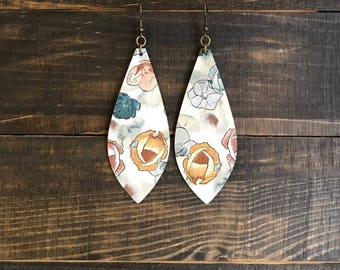 Leather earrings, dangle earrings, vintage earrings, bohemian earrings, boho chic, statement earrings, floral earrings