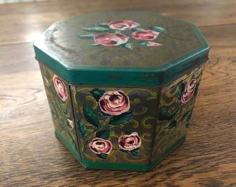 """Vintage Biscuit Tin """"Rosalie"""" 1965 - Huntley & Palmers Biscuits"""