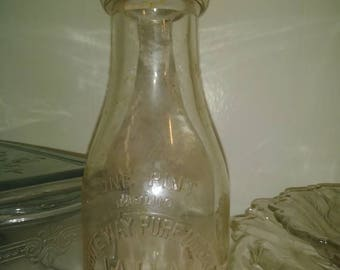 WHITE WAY PURE one (1) pint milk bottle.