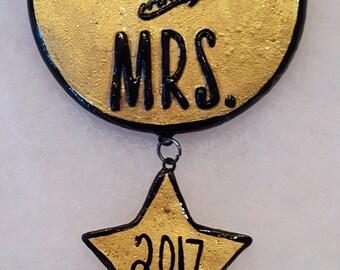 Mr. & Mrs. ornament / magnet