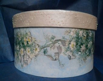 Round box. Hat. Heavenly box. Hat rack to Decoupage. Box to furnish and contain.