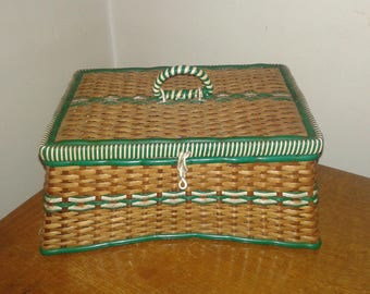 Worker box has rattan and scoubidou vintage 70s sewing