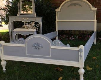 Shabby chic twin bed