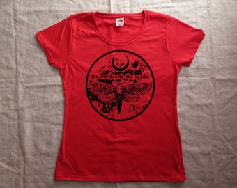 Size S, girlie shirt-The Moth and the moon