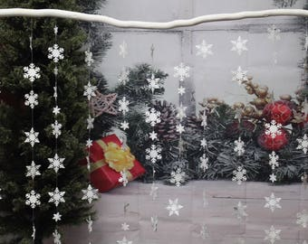 Window decor, Snowflake Garland, Christmas Garland,  Snowflakes Handing decoration, , Frozen, Winter wedding decor, baby shower,wall decor