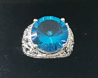 Gorgeous silver 925 ring with blue topaz
