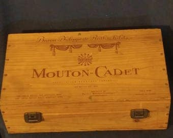 Mouton - Cadet Wine Box Bluetooth Speaker