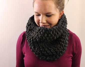 Knitted Cowl in Charcoal Gray {Wool Scarf, Chunky Knit Scarf, Knit Cowl, Charcoal Gray Scarf, Dark Gray Scarf, Infinity Scarf}