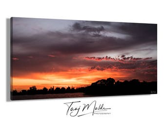 D U S K | High Quality Canvas Print (Framed and Ready to Hang)