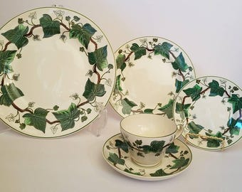 Wedgwood Napoleon Ivy Queens Ware 5pc Place Setting England