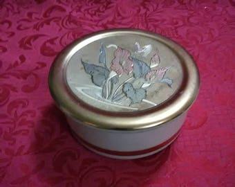 Vintage trinket dish with lid. Art of Chokin. Made in Japan. 24 k gold