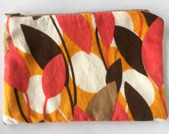1960s Style Vibrant Leaves Zipper Pouch