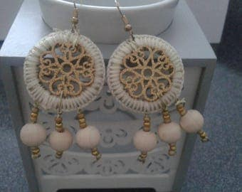 Earring dream catcher gold and beige
