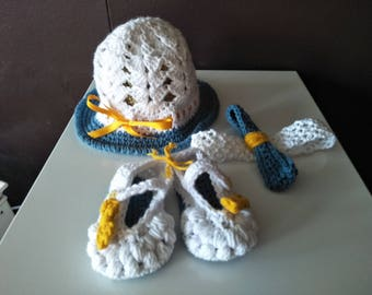 Baby booties, hat & headband set