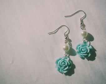 Skyblue Rose earrings