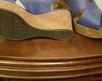LIKE NEW! Fabulous wedge sandal!
