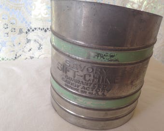 Vintage Flour Sifter Savory Sift-Chine 1930s Country Bakeware Classic From Maine Good Housekeeping Seal USA