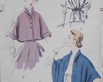 1951 Vintage Vogue Sewing Pattern 7324 / Easy to Make Cape and Cape-Stole // Size Med