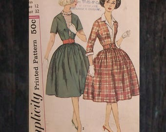 Vintage 50s Plunging Shirtwaist Dress with detachable Dickey and Cuff Options Sewing Pattern / Simplicity 3542 // Sz 12 - Bust 32