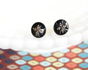 Vintage black and gold snowflake post earrings - etched glass