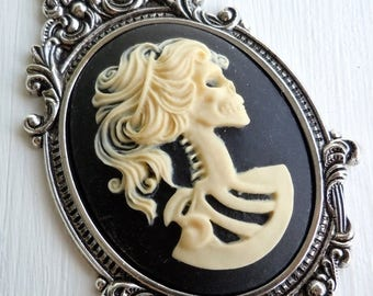 50% OFF Clearance Victorian Cameo Setting with Cameo - 40mm Metalized Plastic Antique Silver Victorian Cameo Setting and Lolita Jet Cream Ca