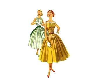 SALE 1950s Square Neck Full Skirt Dress Simplicity 2033 Vintage Sewing Pattern Size 14 Bust 34