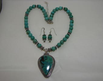 Gorgeous Kingman Turquoise Pendant Necklace with Turquoise Beads and Earrings, MoonMagicTreasures