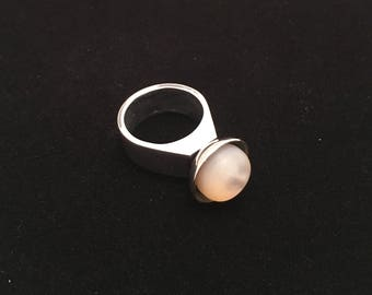 Modernist mother of pearl ring