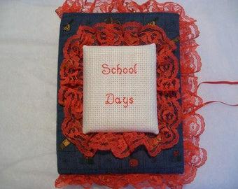 SCHOOL DAYS Pocket Photo Album / Brag Book
