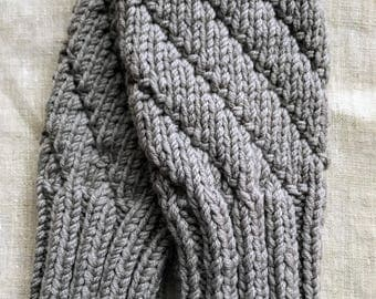 LIGHT GREY Darting Diagonals Fingerless Gloves, Merino Wool Knit Mitts / Gauntlets for Men and Women, Glovelets, Mitts, Mittens, Texting