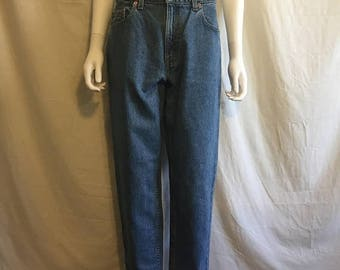 Closing Shop 40%off SALE Womens Levis 550 Jeans - Relaxed Fit Tapered Leg  11 Sht Short   90s Levis Waist W  31