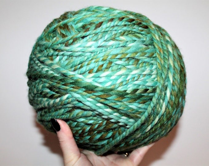 I'm A Sweater. Huge 2lb skein with no knots. Handspun Yarn. Wool. 2ply Bulky Weight. Knit. Crochet.