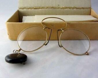 Antique Pince Nez Eyeglasses Vintage Late 1800's Collectible Gold Tone Wire Rim Glasses w/Retractable Chain Excellent Condition
