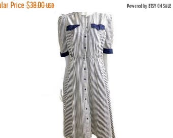 Summer Sale Vintage Pinstripe Cotton Day Dress // White and Blue Stripped dress//Navy Blue and White Full Retro Dress // Size 12// 140