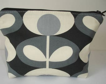 Zipped Padded Make Up Cosmetics Toiletries Purse Pouch Orla Kiely Oval Flower Cool Grey Cosmetic Bag