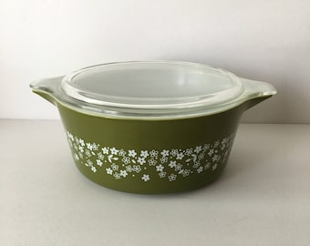 Pyrex Spring Blossom Green Casserole Dish w Lid 2.5 Liter Serving Baking 475 B Olive Green and White 1960's 1970's