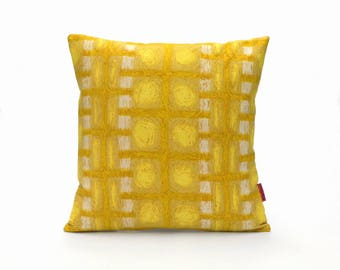Mid Century Pillow Cover in Yellow - Modern Throw Pillow - Retro Cushion Cover Handmade from Vintage Fabric by EllaOsix
