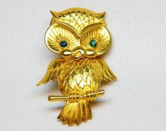 Vintage owl pin brooch JJ Jonette gold tone movable articulated green eyes