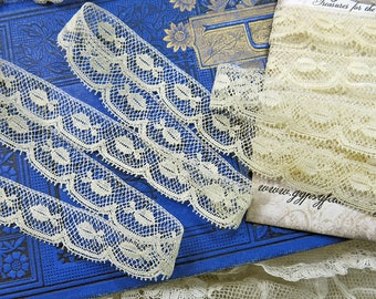 Antique French Valenciennes Lace ... Vintage Lace Yardage Trim, Scallop Edge ... Collage, Fabric Art Books, Crazy Quilt Supply ... LY171106