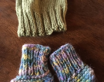 Newborn hat and booties, hand knit infant cap and bootie 0-3 month super
