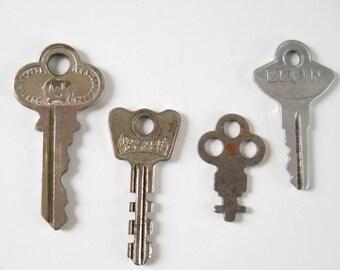 Collection of 4 Vintage Keys • Interesting old Keys