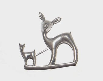 1950s vintage pin / 50s vintage brooch / silver / Doe and Fawn Modernist Mexican Silver Deer Brooch
