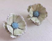 RESERVED Vintage enamel flower earrings jewelry set two tone layered dimensional cream, white and blue