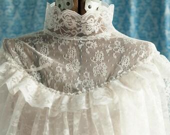 Vintage Gown  - Amazing Ivory Lace Bridesmaid Bride BOHO Bohemian High Neck